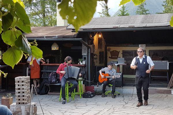 kraljev_hrib_kamniska_bistrica_restaurant_paintball_camping_hostel_rooms_00852354CF00-EC59-F98D-E938-C88E569CEFB4.jpg