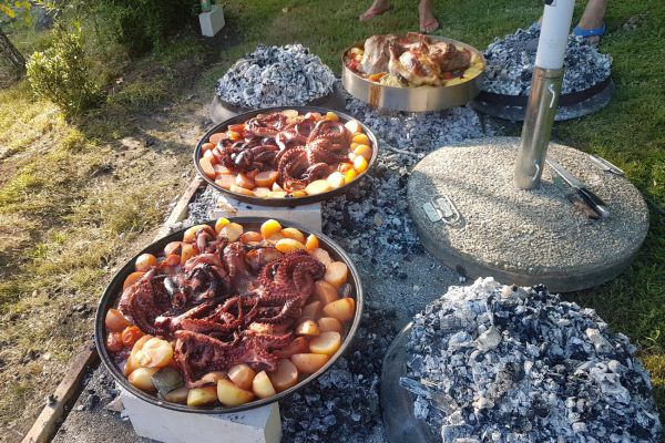 kraljev_hrib_kamniska_bistrica_restaurant_paintball_camping_hostel_rooms_0093981FBABD-CA60-B40F-9CF0-9B6A2FD5E41A.jpg