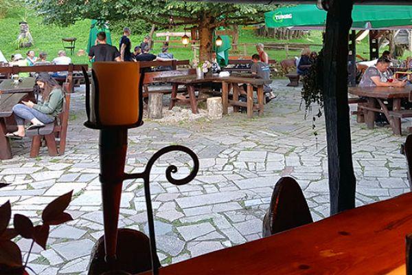 kraljev_hrib_paintball_hostel_rooms_camping_slovenia_0072C18D21D-CED7-8EEF-4135-35A2CFDA0E0F.jpg