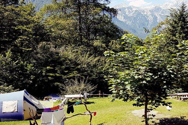 kraljev_hrib_paintball_hostel_rooms_camping_slovenia_000138DA12EE-04B5-1A24-2C71-BE85D25BDFDA.jpg