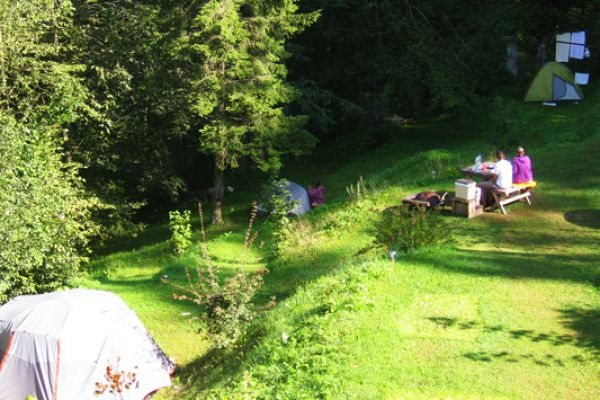 kraljev_hrib_paintball_hostel_rooms_camping_slovenia_00335424C254-6599-49A5-D114-80322E6E429B.jpg